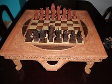 original handgeschnitztes Holzbrettspiel (Schach + Table) aus Indonesien