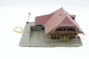 Kibri B-353 N Forest House Alpenhof With Lamp Post N Gauge + Top+