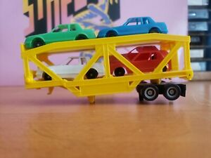 US 1 Trucking Operating Auto Loader Trailer 3455 HO trailer and cars only.