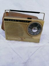 Vieux poste radio transistors