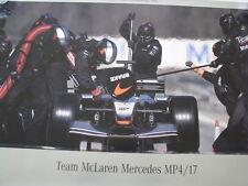 Team McLaren Mercedes MP4/17 2002 Pitstop