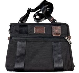 Tumi Luggage Alpha Bravo Randolph Apple iPad Tablet Crossbody Bag Men Women Bag