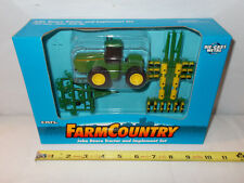 John Deere 8870 4WD With 7200 12 Row Planter & Mulch Ripper Set 1/64th Scale