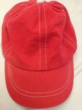 Cappellino rosso con cuciture bianche - 48 cm circa - 100% cotone - USATO