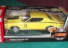 AUTO WORLD 1971 DODGE CHARGER R/T HEMI YELLOW/BLACK 1/18 50th ANNIVERSARY