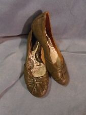 Women's Born Olive Green Leather Adele Ballet Flats Size 6 1/2 M
