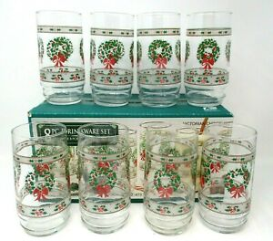 Christmas Drinking Glass Tumblers Vintage Victorian Christmas wreath holly set 8