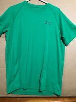 Mens Under Armour HeatGear Green T-Shirt. Size Medium