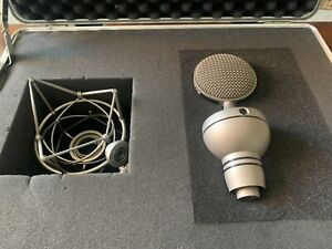 Microtech Gefell UM900 Multipattern Tube Condenser Microphone w/EA 92 Suspension