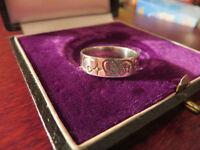 Schöner Silber Ring Klein Schmal Muster Ranken Blüten Mystisch Symbole Vintage