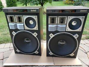 Vintage pair of PIONEER CS-905 SPEAKERS.