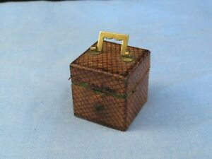 TINY MINIATURE ANTIQUE DESKTOP SQUARE LEATHER INKWELL FOR STATIONERY WRITING BOX