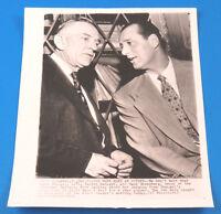 1951 HANK GREENBERG & CASEY STENGEL ORIGINAL VINTAGE 8x10 PRESS PHOTO ~ TYPE 1
