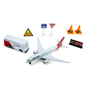 Qantas Airport Small Play Set Activity Die-cast A330 Aircraft and Bus Toy Model