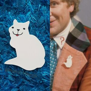 6th Doctor Who Colin Baker replica cat badge for cosplay. Dr Who costume prop.