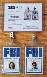X-Files Scully And Mulder Badges Prop