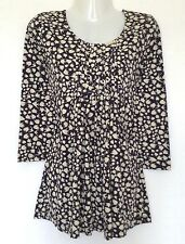Kaleidoscope~ Navy/Ivory Fish Print Pintuck 3/4 Sleeved Top  Size 10  ~(R7)