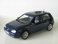 Revell VW Golf IV GTI blau 1:18 limitiert 1/700