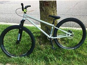 "2021 Verde Bikes  26"" Dirt Jumper DJ - Complete Bike - Gray"