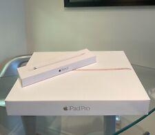 Apple iPad Pro 1st Gen. 128GB, Wi-Fi, 12.9 in - Gold + Pencil