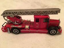 Matchbox Yesteryear Fire Engine Series - 1932 Mercedes-Benz Ladder Truck YFE05