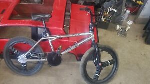 vintage dyno zone bmx bike / gt mags