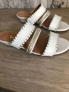 Van Dal Sandals Size 4 D