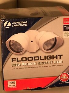 Lithonia Lighting 2-Light Wall-Mount Outdoor White Flood Light OFTR 200Q 120 LP