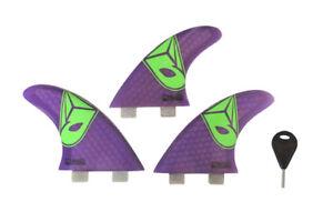 Airush surfing board includes 3 pieces FCS fins 1 key kitesurfing kiteboarding