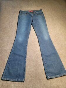 Levi's 518 Superlow Boot Cut Junior's Blue Denim Jeans 3JRL