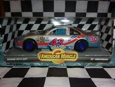 1996 Richard Petty #43 STP American Muscle 1:18 Scale 25th Anniversary Ertl