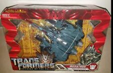 Action figure di transformer e robot, con soggetto un tema transformers revenge of the fallen