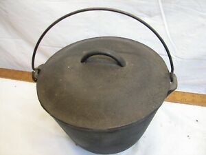 Vintage Heavy Cast Iron no. 7 Gypsy Kettle Bean Pot 3 Foot Footed 4 Qt w/Lid