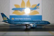 Phoenix 1:400 Vietnam Airlines Airbus A330-200 VN-A375 (PH4HVN594) Model Plane