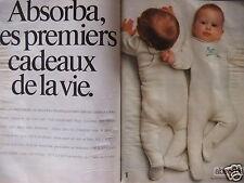 PUBLICITÉ ABSORBA LES PREMIERS CADEAUX DE LA VIE PYJAMAS BÉBÉ BOUGE