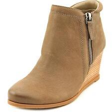 Zip Synthetic Med (1 3/4 to 2 3/4 in) Heel Height Sandals for Women