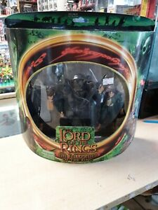 2001 Toybiz Lord of the Rings Merry & Pippin vs. Moria Orc Action Figures Set