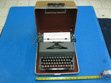 Vintage Royal Quiet Deluxe Portable Manual Typewriter w/ Case