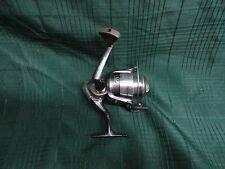 SHAKESPEARE CR035 FISHING REEL WORKS GREAT