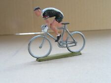 692Q 1959'S Starlux Code D France Cycliste au Sprint Tête Nue en Danseuse 1:32