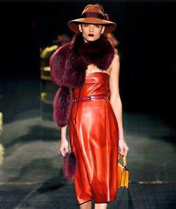 Genuine gucci Runway Fox Fur scarf with dangeles so stunning