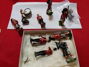 6 Vintage Britains LTD Proprietors Painted Lead Toy Soldiers with extras pieces