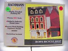 """Bachmann Plus Ho U/A """"Bob'S Bicycle Shop"""" Plastic Model Kit #35123"""