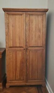 Gothic Cabinet Solid Wood 5-Shelf Linen Closet