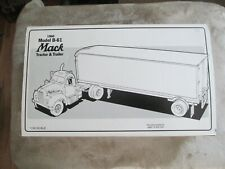 First Gear U.S. MAIL ENVELOPES 1960 Model B61 Mack Tractor With Trailer 19-1302