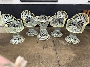 Vintage White Russell Woodard Spun Fiberglass PATIO Table 4 Chairs