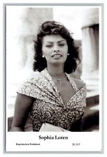 Sophia Loren (C) Swiftsure Postcard year 2000 modern print 20/107 glamour photo