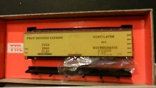 Train Miniature HO Vintage Fruit Growers Express  Wood Reefer Kit, NIB