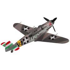 Modellini statici di aerei e veicoli spaziali navi plastici sul guerra