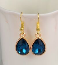 SMALL TEAR DROP GOLD TONE FACETED ACRYLIC CRYSTAL EARRINGS PARTY WEDDING